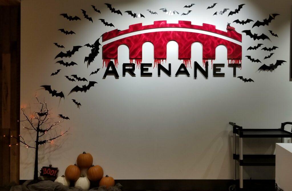 ArenaNet Büro Logo an Halloween